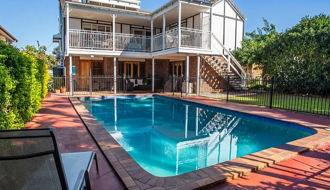 Ainslie Manor Bed & Breakfast - Redcliffe - Queensland - Promotion