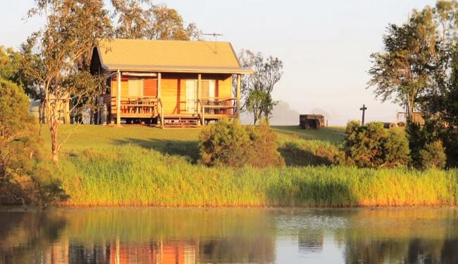 Henderson Park Farm Retreat - Barmoya - Queensland - Promotion