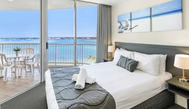 Crystal Bay on the Broadwater - Surfers Paradise - Queensland - Promotion